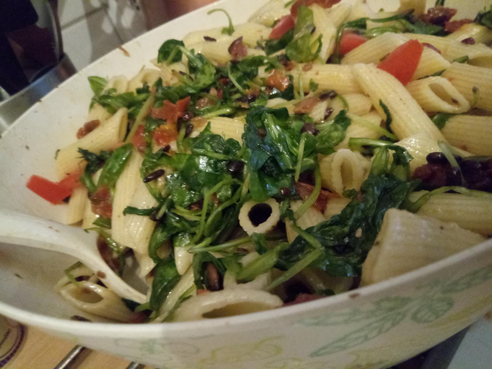 Die letzten Wochen & Sommersalat mit veganer Honig-Senf Sauce